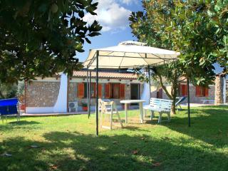 Lovely Condo with Internet Access and Garden - Schiazzano vacation rentals