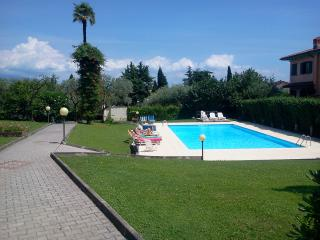 2 bedroom Townhouse with Outdoor Dining Area in Salò - Salò vacation rentals