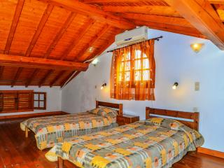 Double bedroom w/attic & pool view! - Peroulades vacation rentals