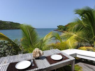 Cozy 1 Bedroom with Covered Terrace in Marigot - Marigot vacation rentals