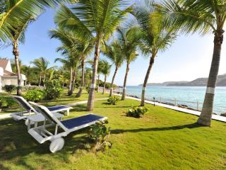 Marvelous 1 Bedroom Villa on Saint Jean Beach - Saint Jean vacation rentals