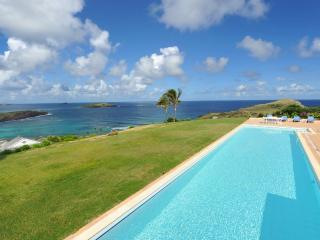 Marvelous 4 Bedroom surrounded by Lush Tropical Garden in Petit Cul de Sac - Petit Cul de Sac vacation rentals