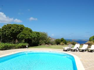 Private 3 Bedroom Hilltop Villa in Montjean - Marigot vacation rentals