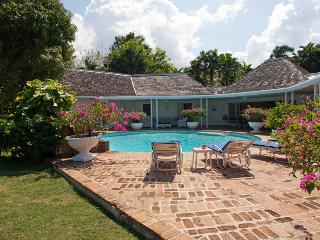 4 Bedroom Villa Adjacent to Tyrall Golf Course in Montego Bay - Montego Bay vacation rentals