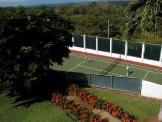 Fabulous 10 Bedroom Villa with Private Pool in Esparza - Esparza vacation rentals