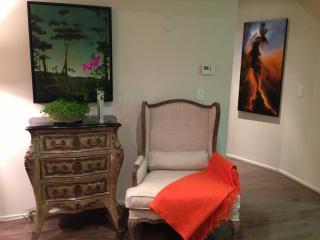 North of Wilshire 4 Blocks to Ocean 2 bed 2 bath - Santa Monica vacation rentals