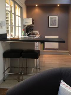 kitchen from seating area - Peaceful studio in the heart of Honfleur - Honfleur - rentals