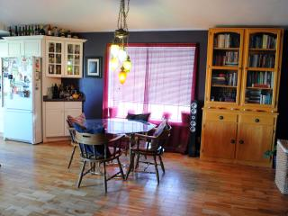 Cozy, Artistic Home in NE Bend - Bend vacation rentals