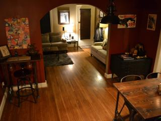 Brick Cottage in Heart of Midtown! 2 beds 1100ft2 - Oklahoma vacation rentals