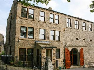 Millbarn - 7 Bed Grade 2 Listed House - Sleeps 13 - Huddersfield vacation rentals
