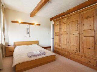Millbarn - 7 Bed Grade 2 Listed House - Sleeps 13 - Huddersfield vacation rentals