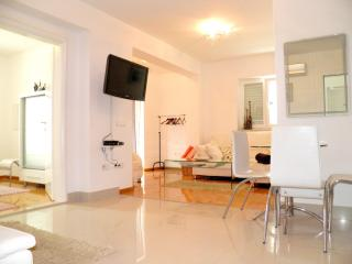 101 Apartment Noa with pool_Funtana_Beige beauty - Funtana vacation rentals