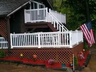 Three bedroom chalet, minutes from North Conway,NH - Madison vacation rentals