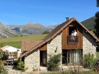 le Clos de Lumière : gîte de charme à la montagne - La Roche-des-Arnauds vacation rentals