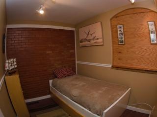 Airtel 3 BR Historic Old North End - Colorado Springs vacation rentals