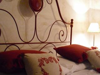 Charming house in the heart of a medieval village - Castelvecchio Subequo vacation rentals