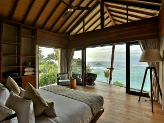 OPERA VILLA -  Luxury 5 Bedroom Oceanfront Villa - Nusa Lembongan vacation rentals