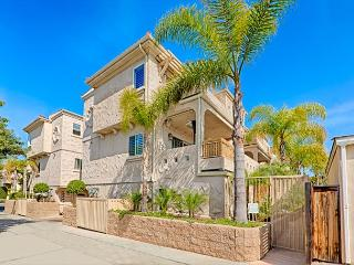 Pacific Beach townhouse just three blocks to the beach - San Diego vacation rentals