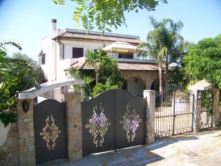 Casa Vacanza Fiore a Gallipoli da  20 posti letto - Gallipoli vacation rentals