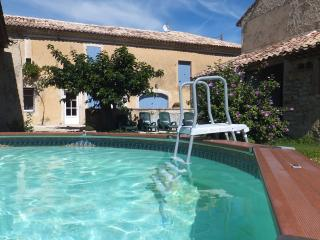 3 bedroom Farmhouse Barn with Internet Access in Suze-la-Rousse - Suze-la-Rousse vacation rentals