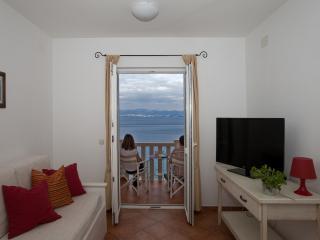 1 bedroom Apartment with Internet Access in Sutivan - Sutivan vacation rentals
