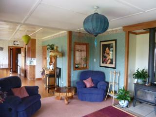 Perfect House with Internet Access and Towels Provided - Takaka vacation rentals
