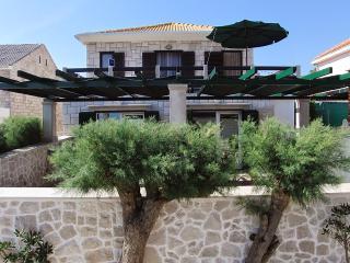 Villa Gracin Ap. A2 in Povlja - Povlja vacation rentals