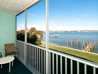 2 bedroom Apartment with Internet Access in Bradenton Beach - Bradenton Beach vacation rentals