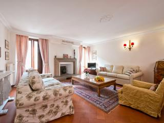 Navona apartment - Rome vacation rentals