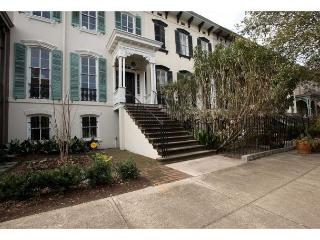 Renovated one bedroom in easy distance to Forsyth Park - Savannah vacation rentals