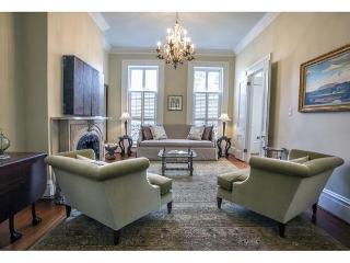 Luxury one bedroom home on a beautiful block of Gordon Street - Savannah vacation rentals