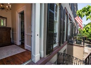 Luxury one bedroom home on a beautiful block of Gordon Street - Savannah vacation rentals