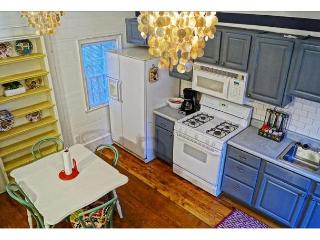 Pet friendly cottage in the historic district - Savannah vacation rentals