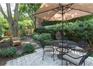 Pet friendly two bedroom with a large private courtyard - Savannah vacation rentals
