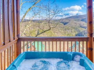 2BR Luxury Log Cabin w Views, Hot Tub, WiFi & Pool Table! Spring from $119!!! - Pigeon Forge vacation rentals