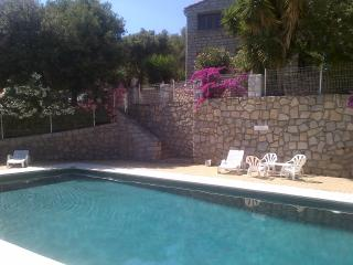 F3 mansardé avec piscine dans résidence calme - Olmeto vacation rentals