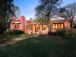 The Historic Pink House of Downtown Santa Fe - Santa Fe vacation rentals