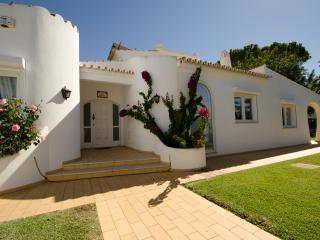 Villa Bonita with heated pool - Vilamoura vacation rentals