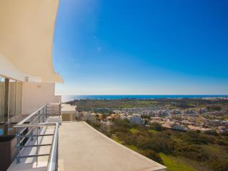 Sea View Penthouse w\big Terrace near beach - Albufeira vacation rentals