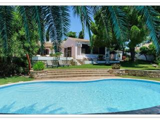 Amazing Villa on the beach and near the strip - Albufeira vacation rentals