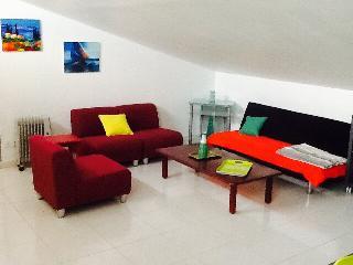 Nice Condo with Internet Access and Outdoor Dining Area - Villeneuve-de-la-Raho vacation rentals