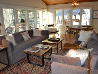 Ski in/Out, 5 Bedrooms, Sleeps 14, Hot Tub, Sauna - Teton Village vacation rentals