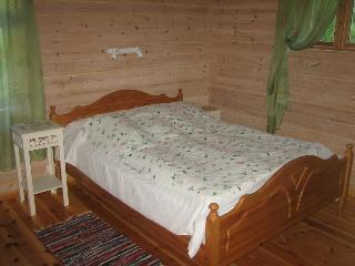 Perfect 4 bedroom Guest house in Florø with Internet Access - Florø vacation rentals