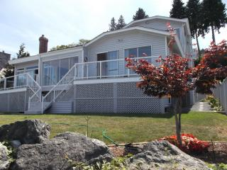 EAGLE HAVEN BEACH HOUSE - Denman Island vacation rentals