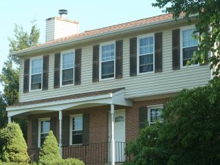 Huge 4 bedroom suburban home - Fairfax vacation rentals