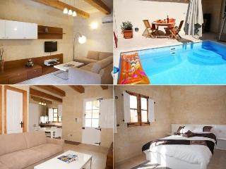 Cozy 3 bedroom Qala Farmhouse Barn with Internet Access - Qala vacation rentals