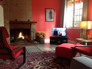 Nice Gite with Internet Access and Central Heating - Mainneville vacation rentals