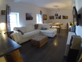 Romantic 1 bedroom Quebec City Condo with Internet Access - Quebec City vacation rentals