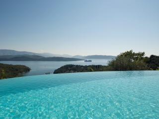 Villa Maro, Lux Villa with Pool, A. Stefanos Corfu; XmasOFFER-10%in all Bookings - Agios Stefanos NE vacation rentals
