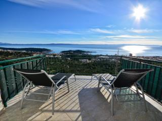 House/Apartment JOKE Makarska/Puharici - Makarska vacation rentals
